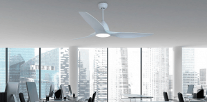 ventilador de techo en oficina