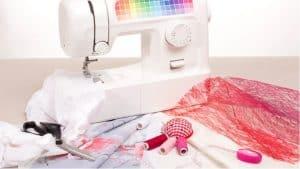 máquina de coser y telas