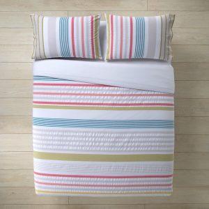 sábana con rayas de colores
