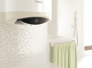 termo eléctrico en la lavandería