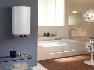 termo eléctrico en el baño