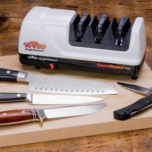 afilador de cuchillos blanco