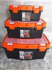 tres cajas de herramientas