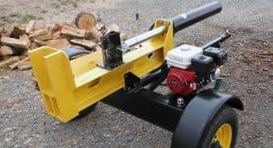 cortador de leña amarillo