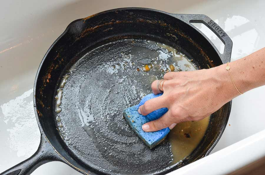 limpiar una sartén