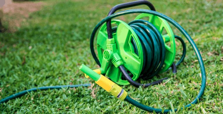 manguera de riego verde