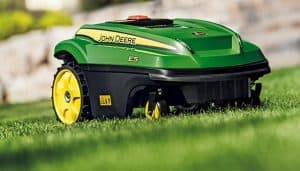 robot cortacésped verde