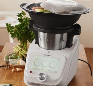 robot de cocina con vaporera