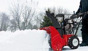 soplador de nieve rojo