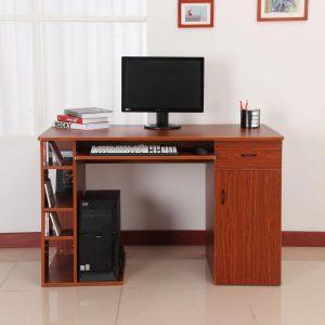 mesa de ordenador simple