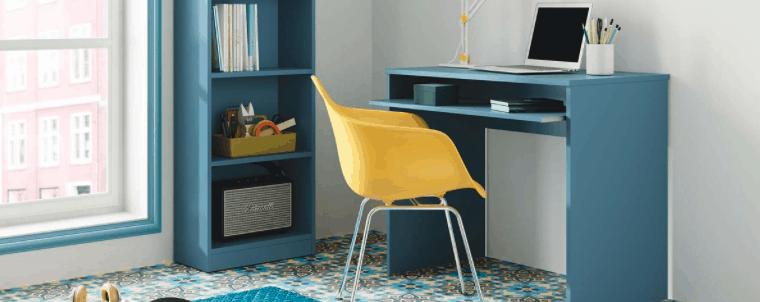 mesa de ordenador azul