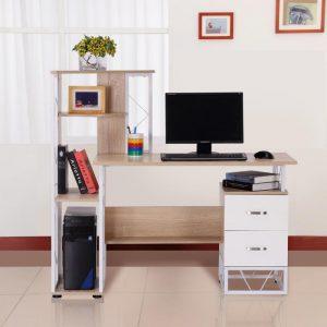 mesa de ordenador con estantes