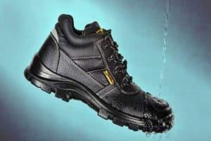 calzado de seguridad impermeable