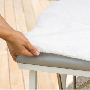 cubierta de una mesa de masaje
