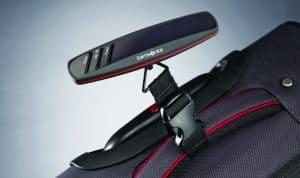 pesa de maleta moderna