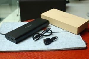 batería externa con cables