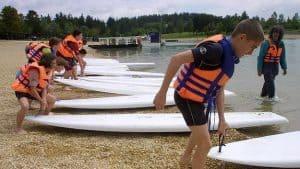 surf con chaleco salvavidas