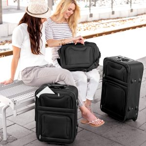 mujeres con equipajes blandos