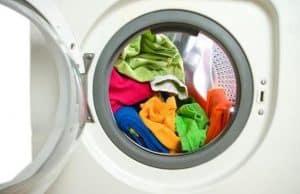 lavadora lavando un fular portabebé