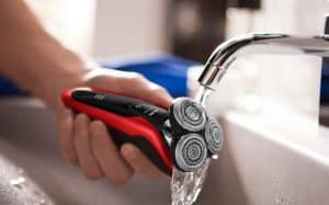 limpiar una afeitadora eléctrica