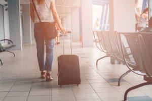 equipaje de cabina en el aeropuerto