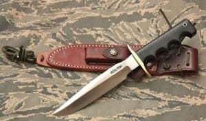 cuchillo de supervivencia con funda marron