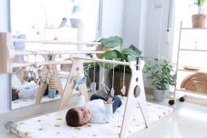 gimnasio para bebé sencillo