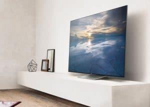 televisor 4k en un mueble