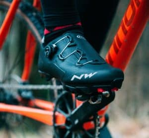 zapatillas de ciclismo negras