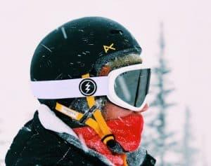 casco de esquí bonito