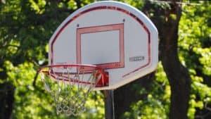 canasta de baloncesto compacta
