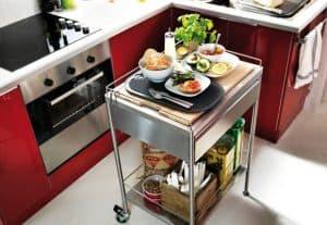 carro de cocina en la cocina