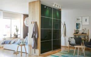 armario con puerta corredera moderno