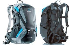 varias mochilas de senderismo