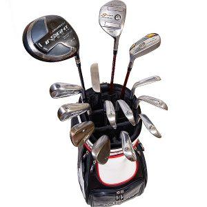 bolsa de palos de golf desde arriba con palos