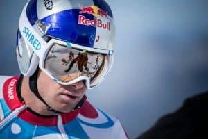 casco de esquí de redbull