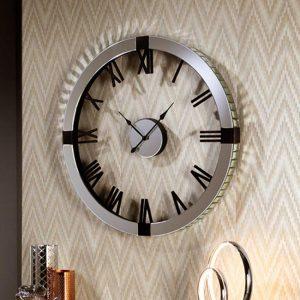 reloj de pared con números romanos