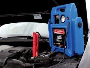 cargador de una batería de coche