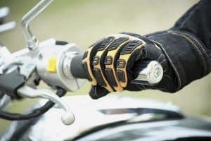 guantes para moto amarillos