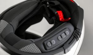 intercomunicador para casco incrustado