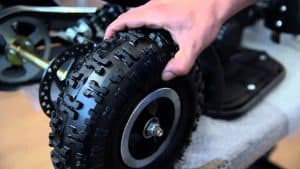 limpiar una rueda de quad