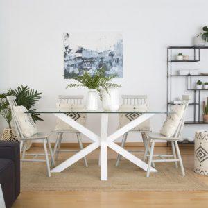 mesa de comedor blanca y de cristal
