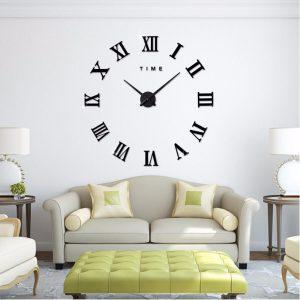reloj de pared grande con números romanos