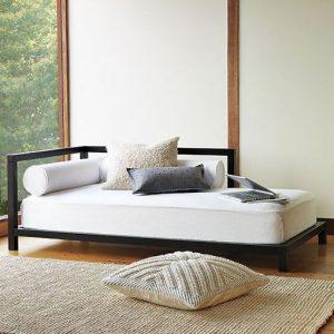 sofá cama negro y blanco