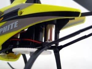 alimentación de un helicóptero teledirigido