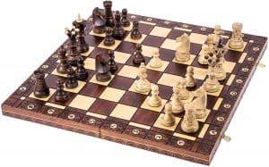 tablero de ajedrez y sus figuras