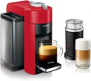 cafetera Nespresso y espumado de leche