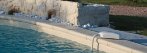 alarma de piscina en el borde