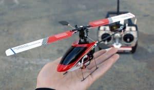 helicóptero teledirigido mini