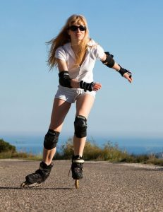 chica patinando